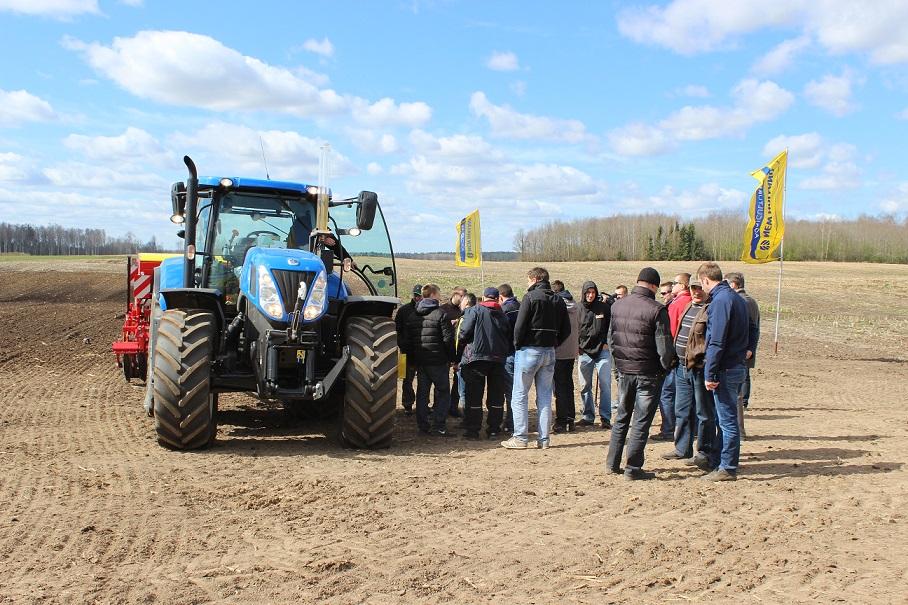 New Holland traktors
