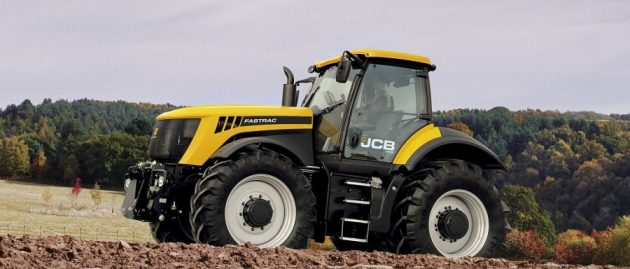 Jaunie JCB FASTRAC 4000. sērijas traktori – vēl lielāka jauda un darba ražīgums