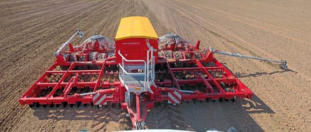 """SIA """"Saldus AGRO"""" novērtē STOKKER AGRITECH piedāvāto tehniku"""
