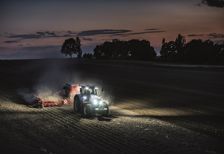 Jaunie T7.290 un T7.315 traktori nodrošina izcilu veiktspēju un darba efektivitāti